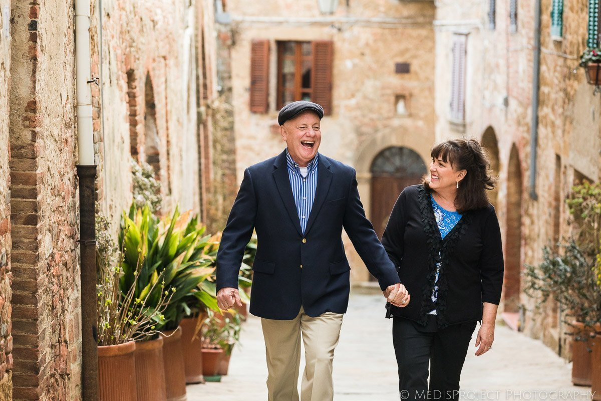 Luxury couple photographers in Tuscany