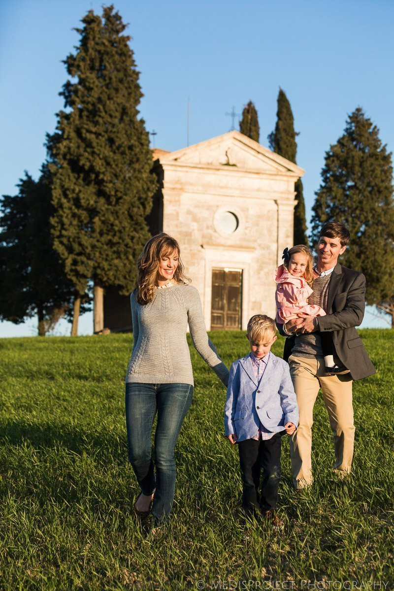 Family Reunion photos at Vitaleta Chapel