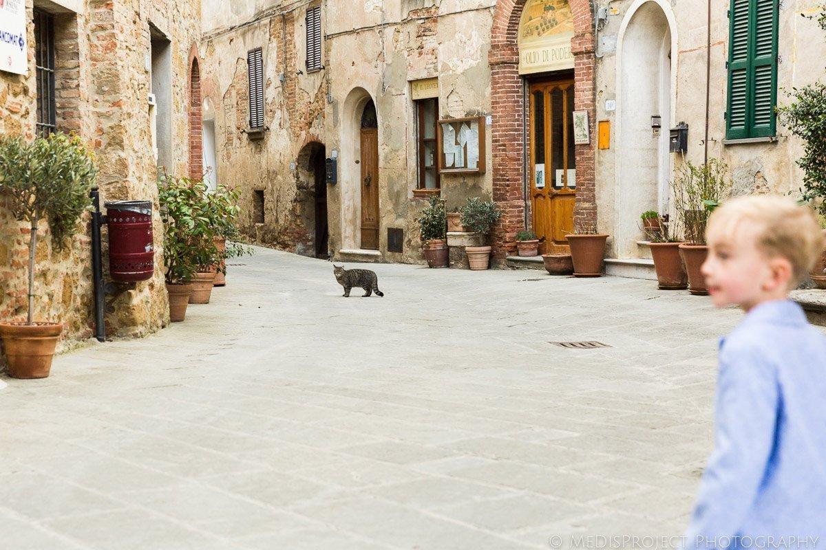 strolling the streets of Castelmuzio