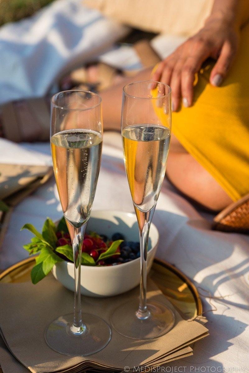 romantic picnic in Tuscan Chianti