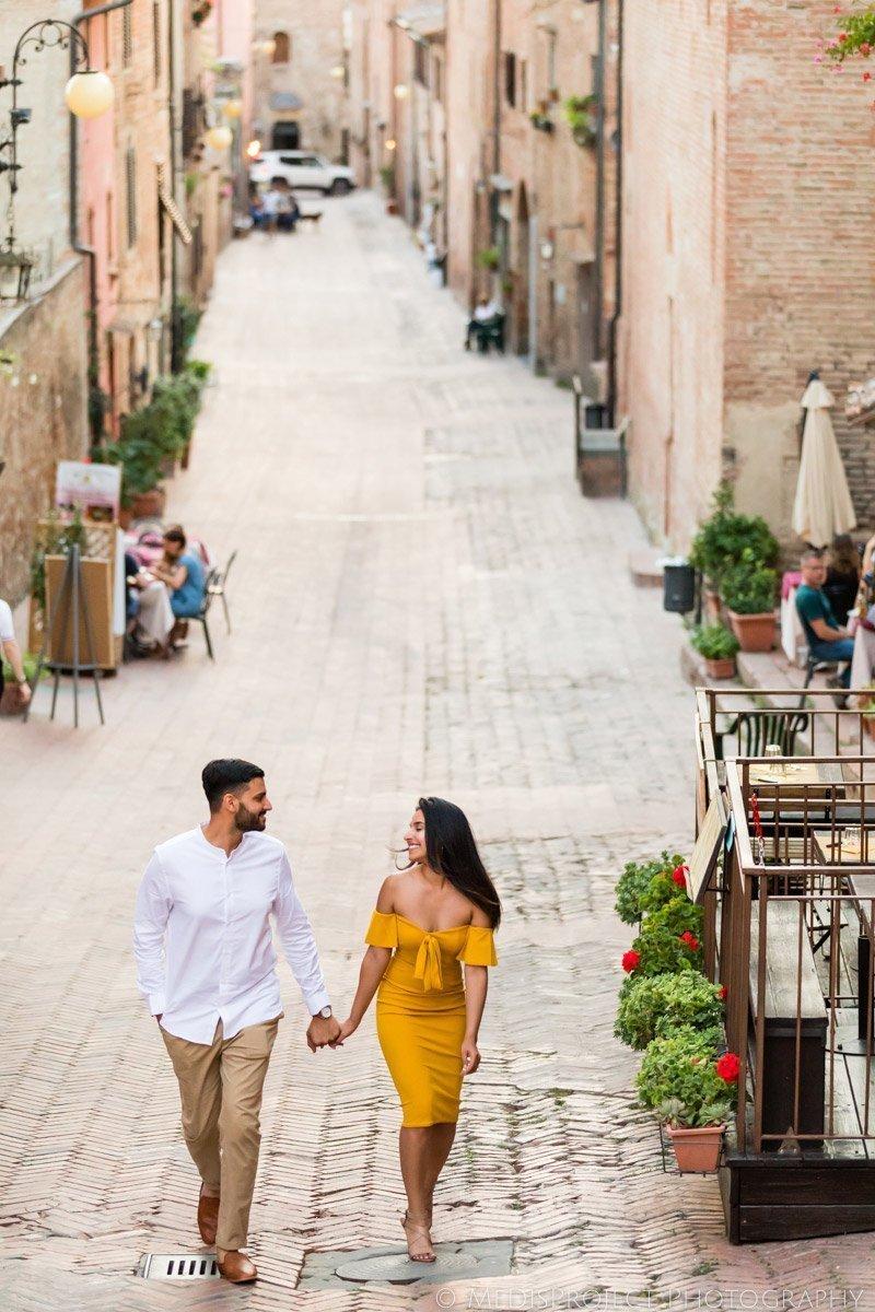 love story photographers in Certaldo