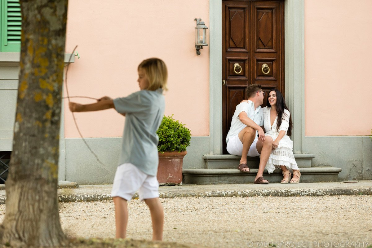 high quality family photos in Tuscany