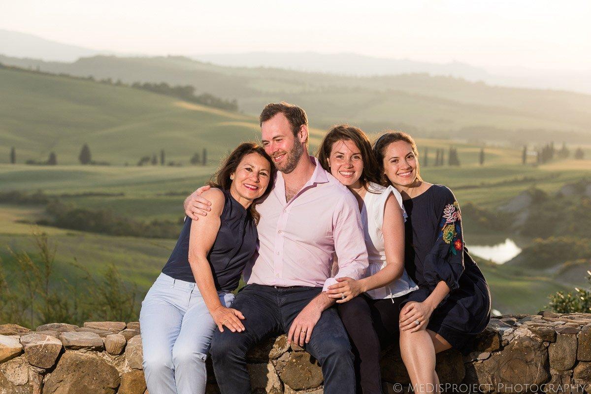 cozy family photos in Tuscany