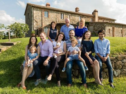 An Italian Family Reunion | Family Photos at Villa Rombolino