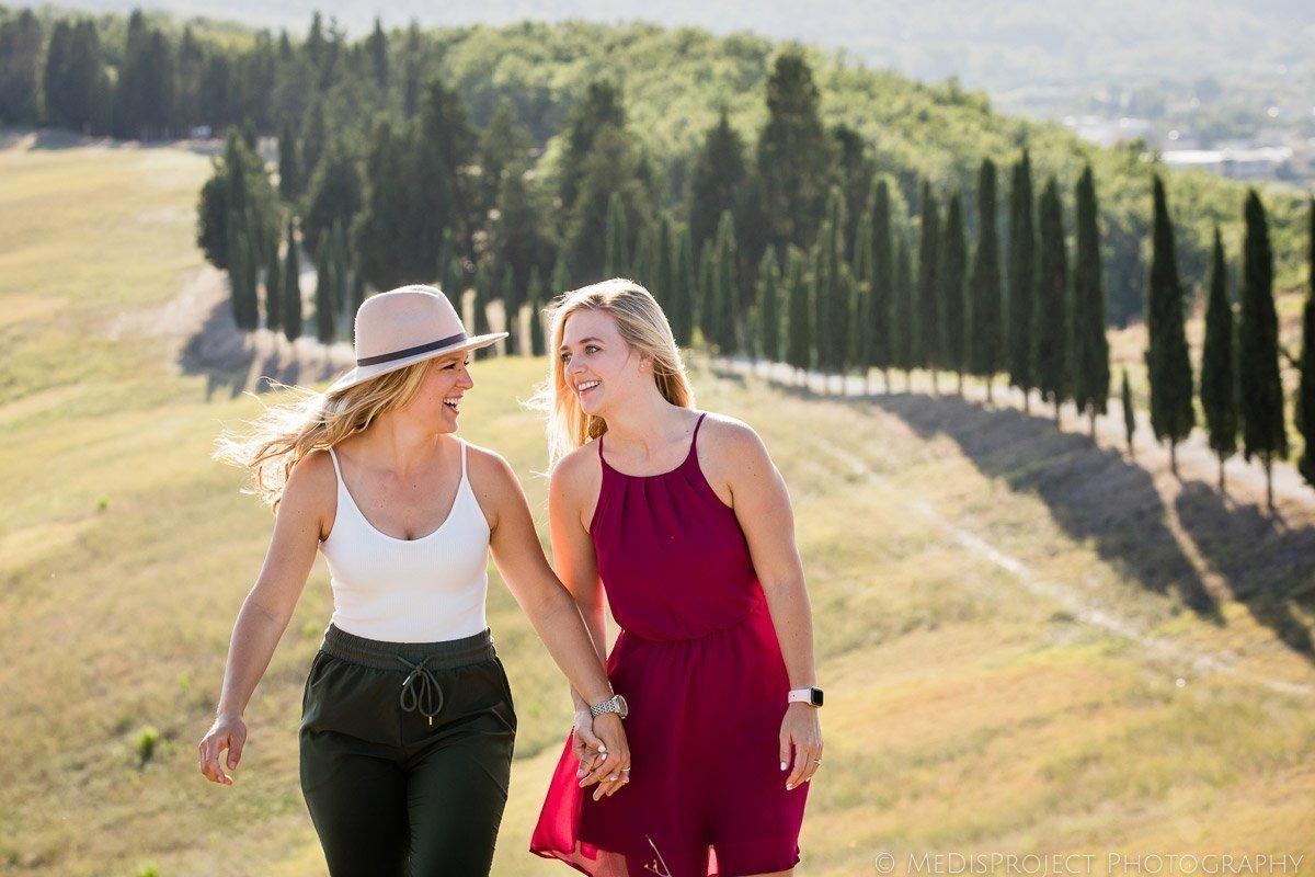 Lesbian wedding photographers in Tuscany