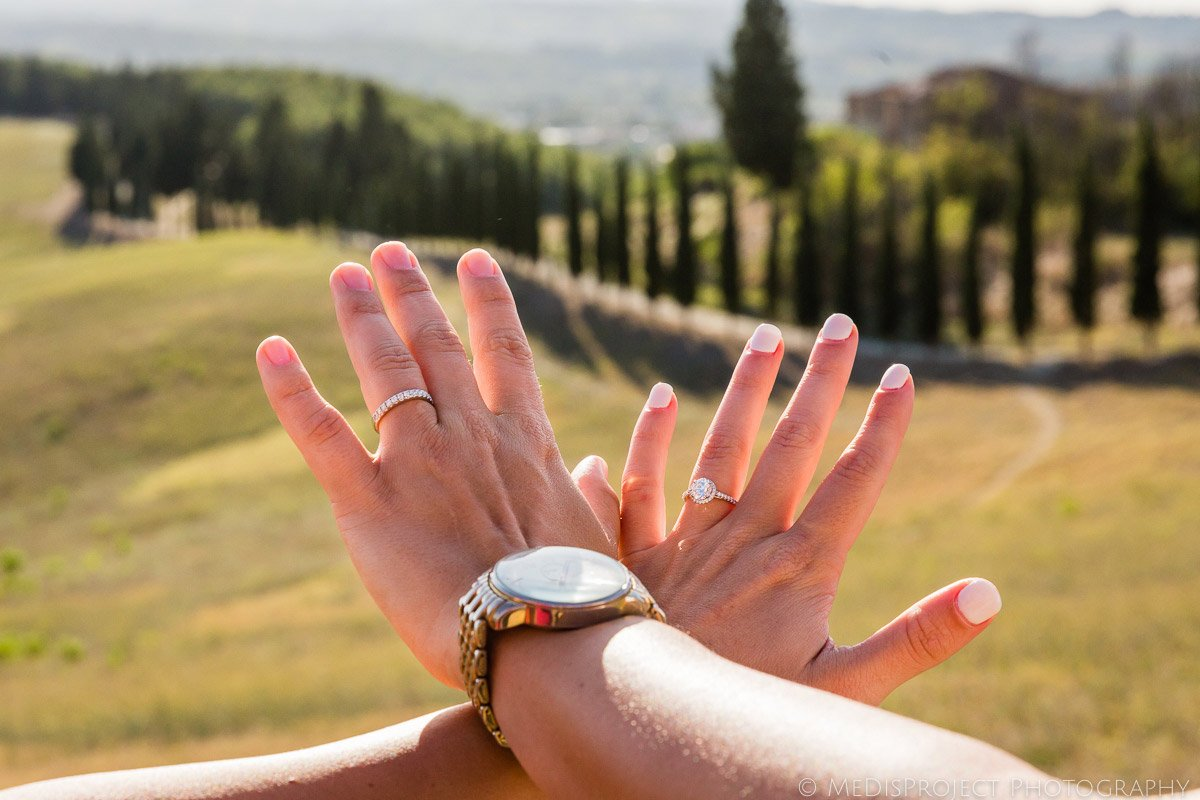 Wedding ring photos in Tuscany