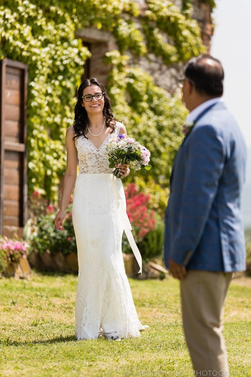 bride and her dad's first look before the wedding ceremony at il Rigo