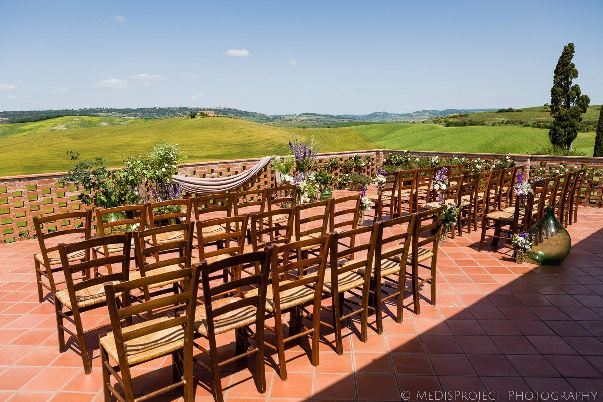 Wedding ceremony with a view on the balcony at Agriturismo il Rigo