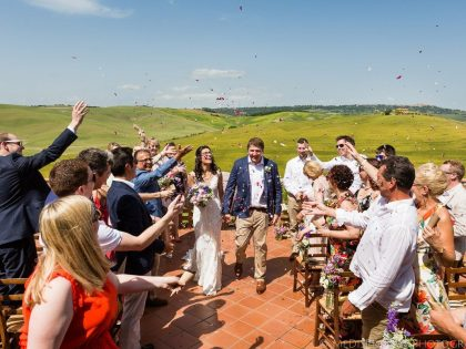 Natural Country Wedding in Tuscany | Getting married at Agriturismo il Rigo
