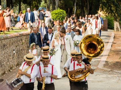 A cozy wedding at Villa Petrolo | Professional Wedding photographers in Tuscany