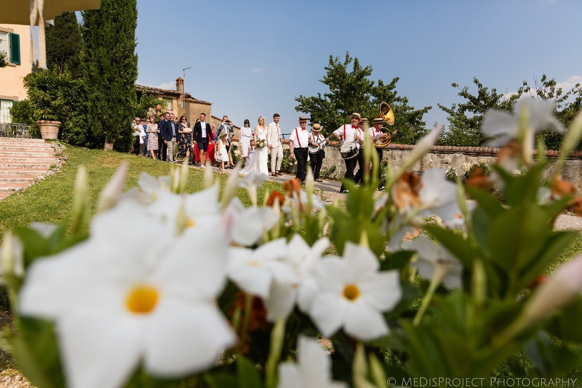 natural photographers for weddings in Tuscany