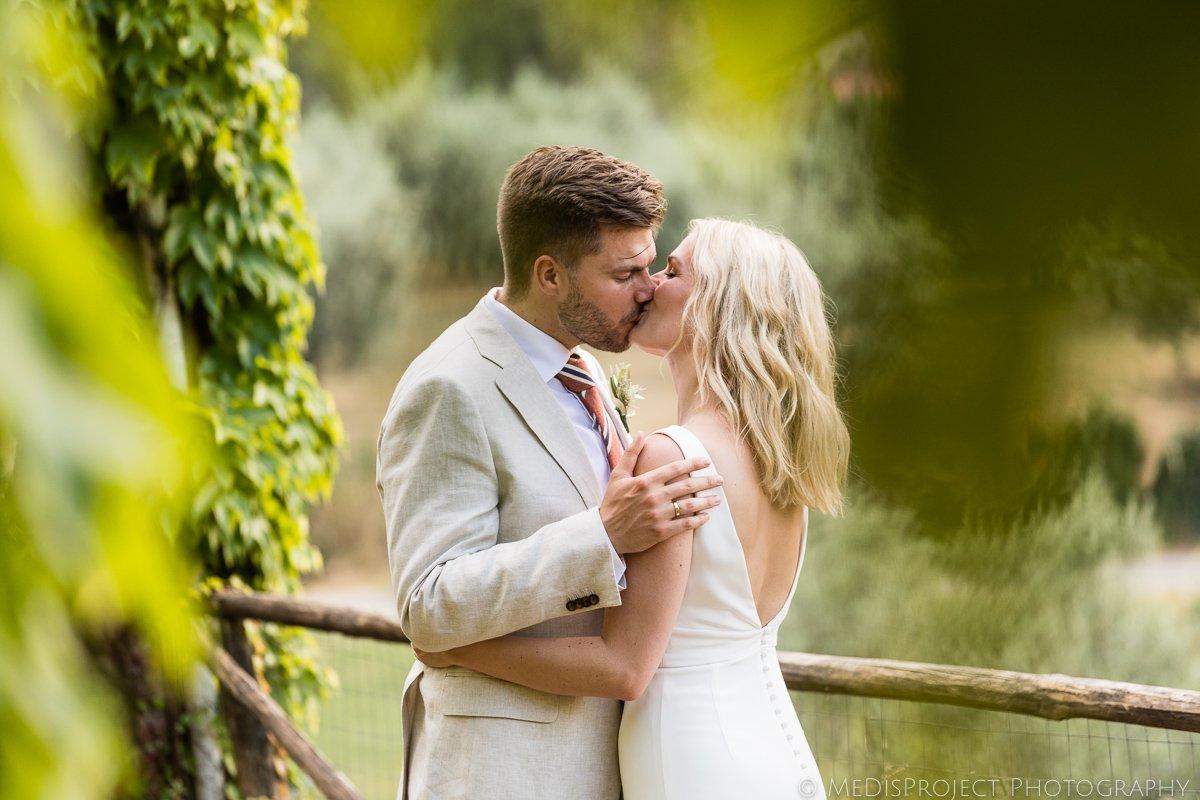 Intimate wedding photos at Villa Petriolo