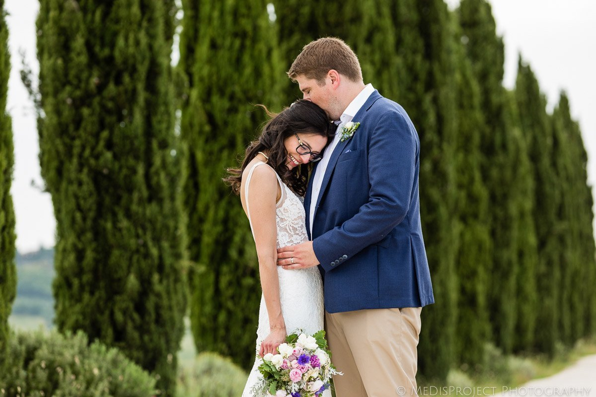 romantic elopement photo session at Agriturismo il Rigo Tuscany