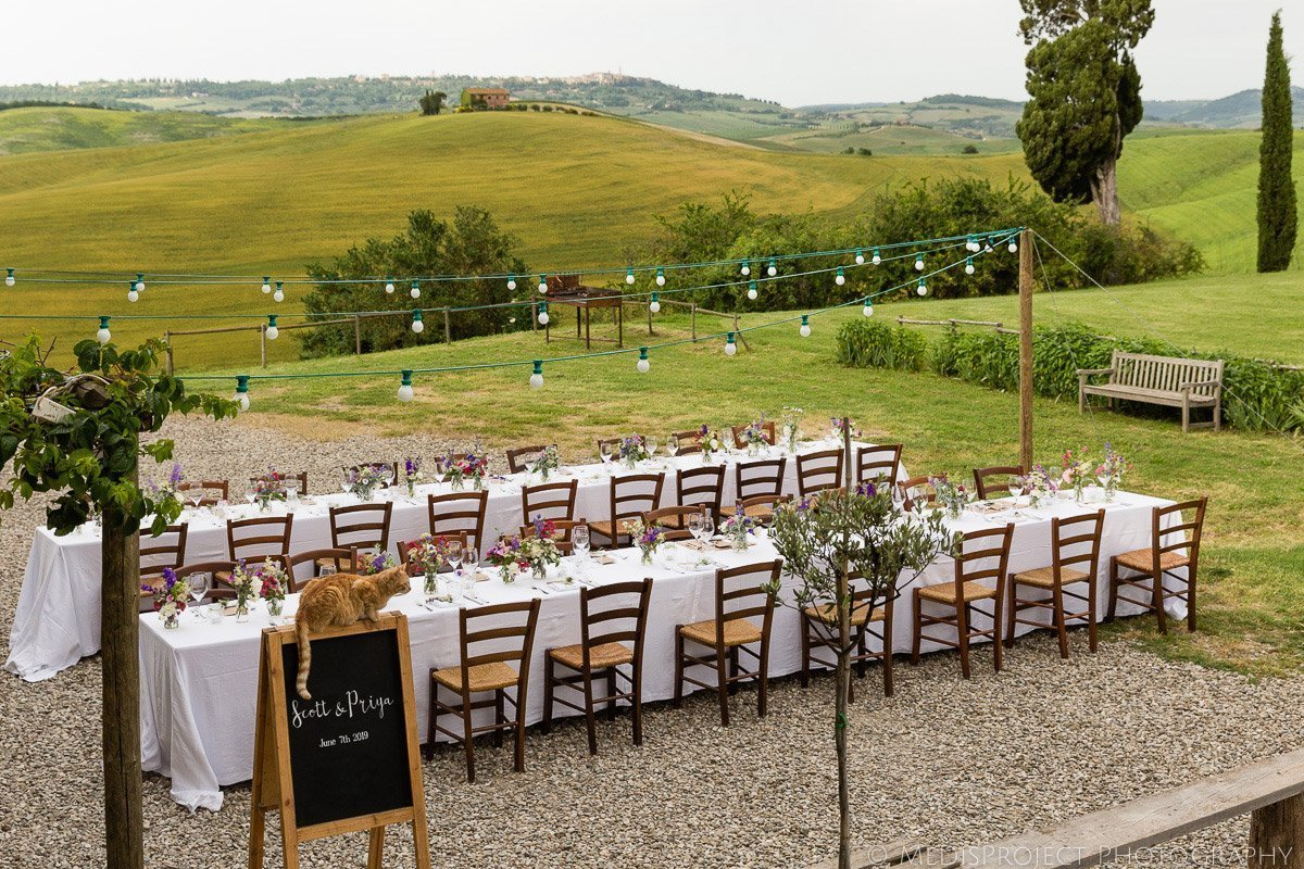 wedding dinner table set up at Agriturismo il Rigo