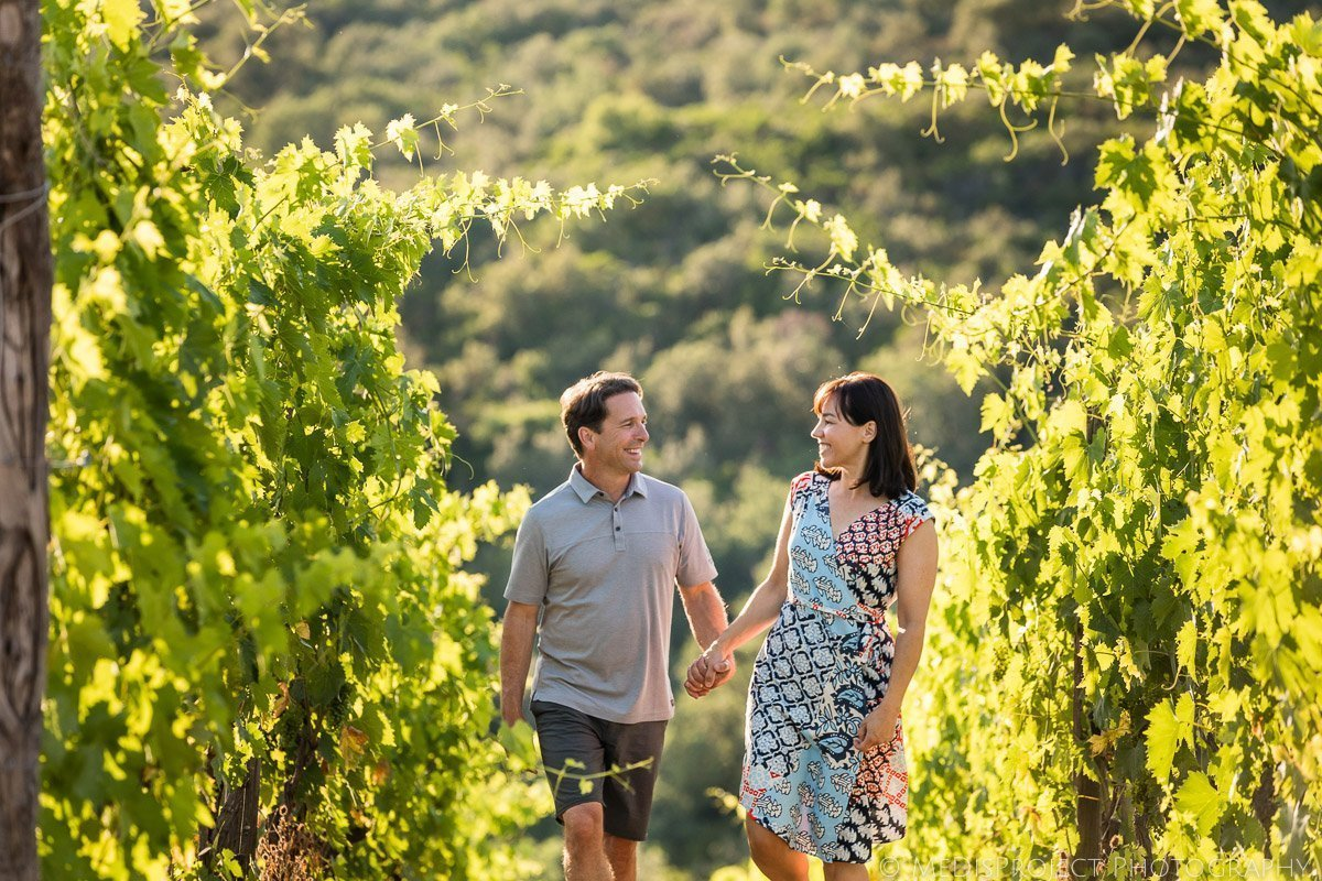anniversary photo session in the vineyards of Montalcino