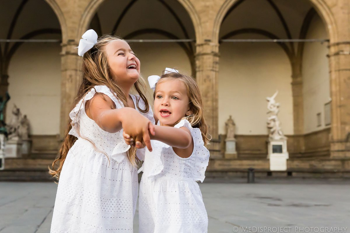 kids friendly photo session at dawn in Florence