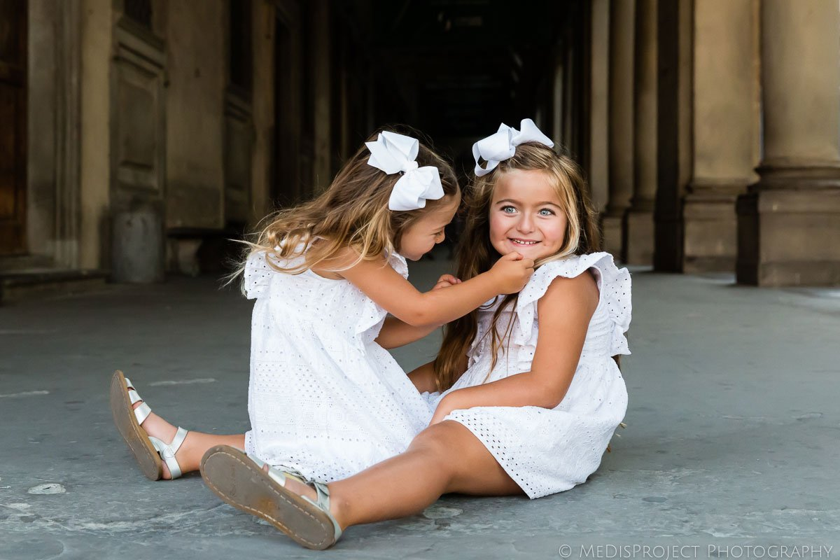 spontaneous and fun kids photo shooting in Florence Italy