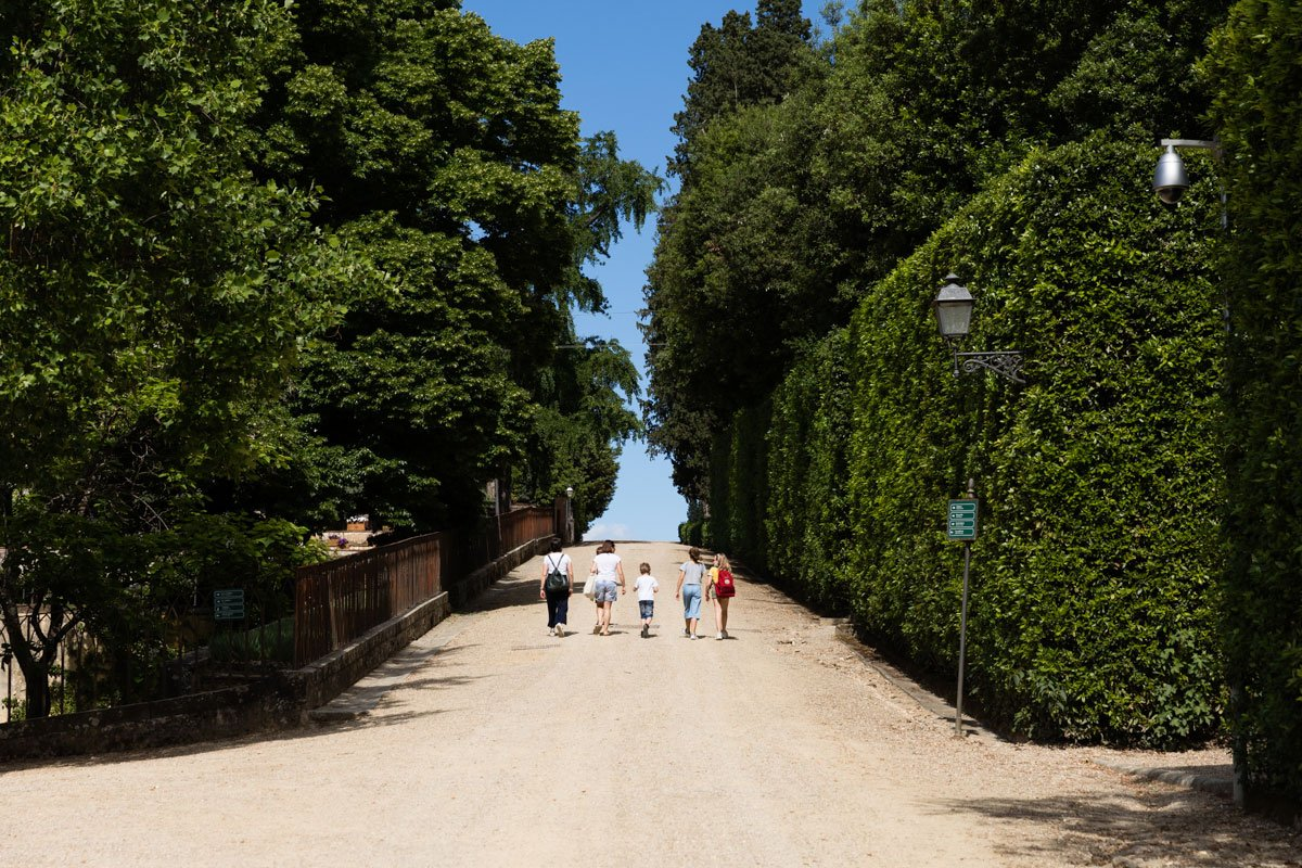 a family entering the Boboli Gardens for the first time after lockdown