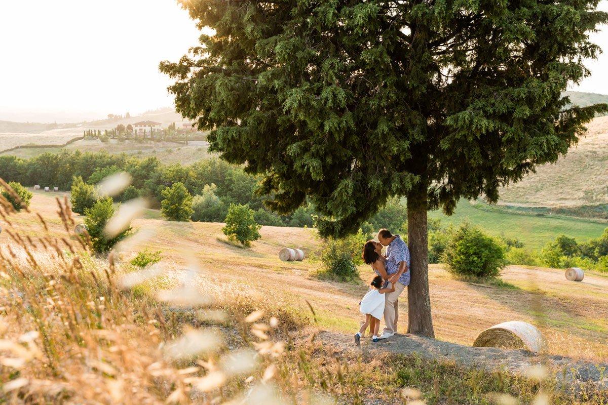Family photo shoot in Tuscany