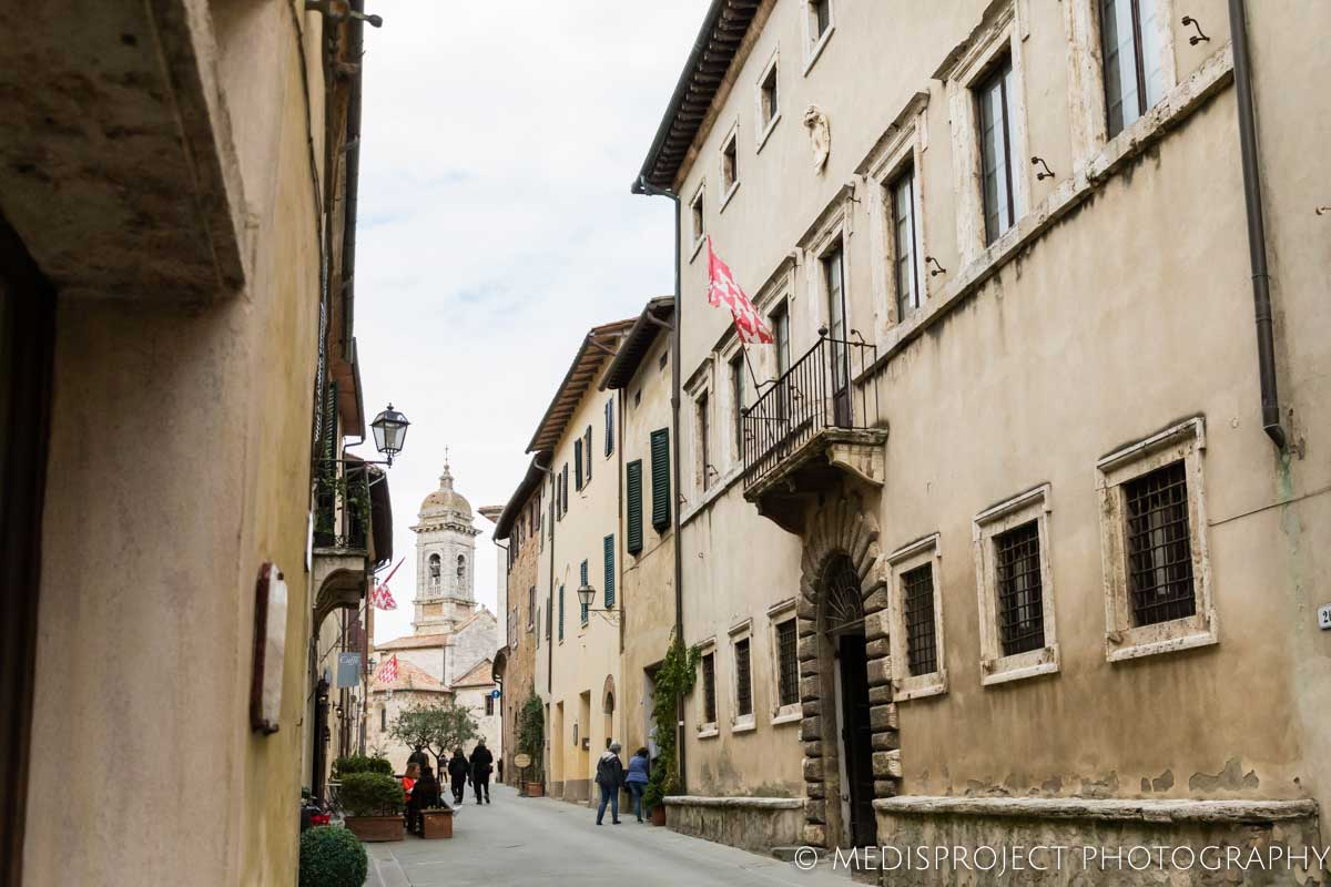 Casa dell'Abate Naldi seen from the main street in San Quirico d'Orcia