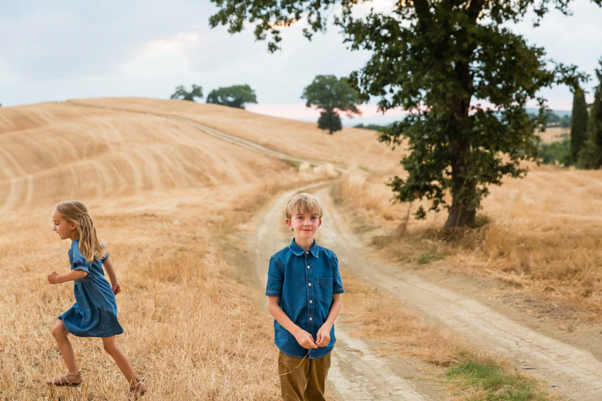 siblings on holiday in Tuscany